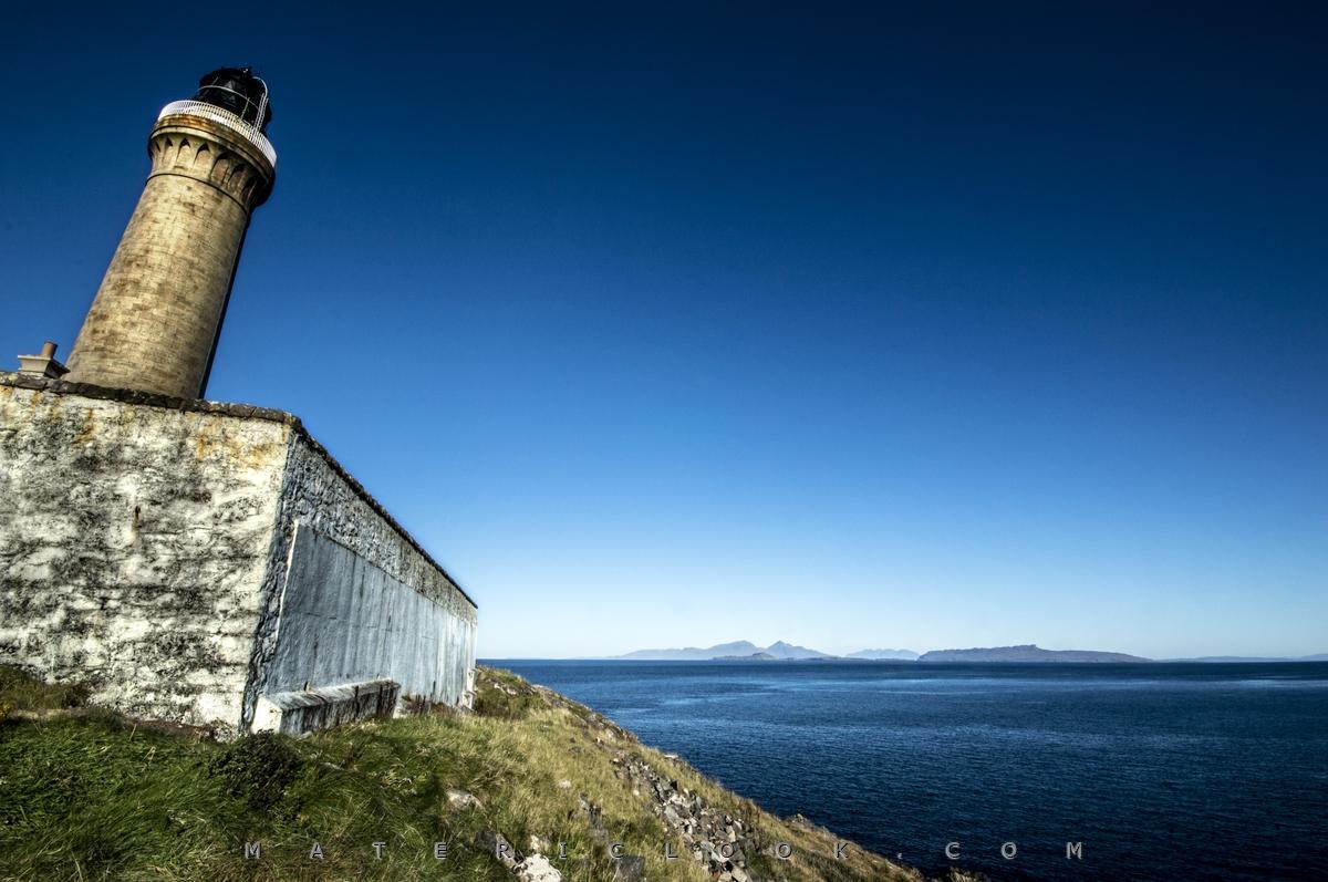 MatericLook: PeekingLighthouse by Francesco Perratone